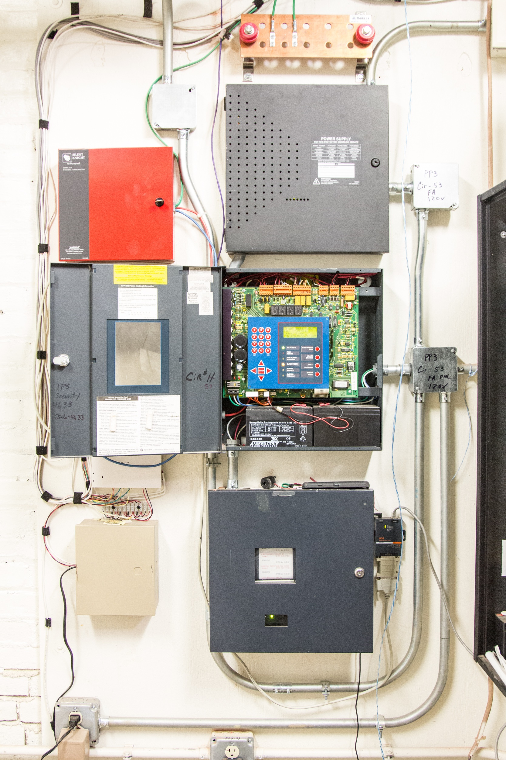 Fire Alarm Panels with Battery Backups