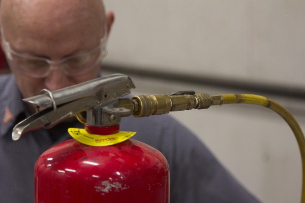 Pressurizing Fire Extinguisher