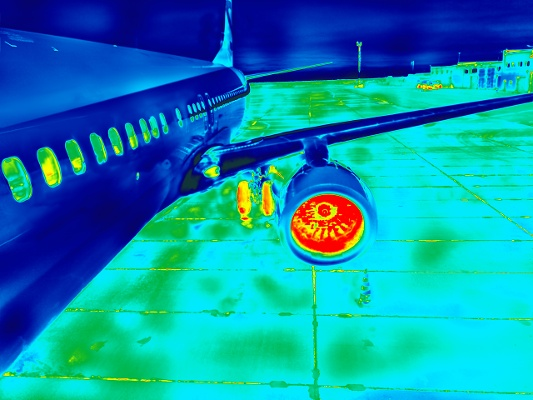 airplane heat signature thermal imaging