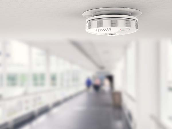 WHAT IS THE DIFFERENCE BETWEEN IONIZATION AND PHOTOELECTRIC SMOKE ALARMS?